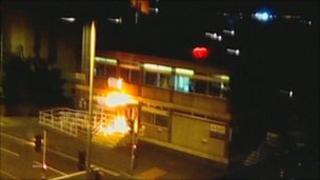 Mobile phone footage of Canning Circus police station