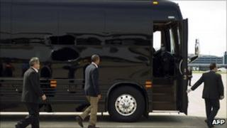 Mr Obama boards his bus for his Midwestern tour