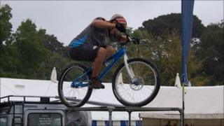 MAD Mountain Bikes Display Team
