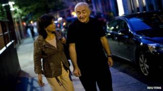 Dominique Strauss-Kahn walks in New York with his wife Anne Sinclair, 25 August