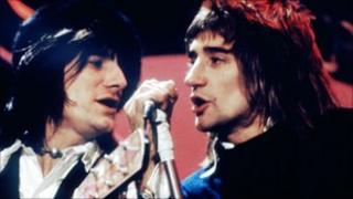 Ronnie Wood and Rod Stewart of The Faces