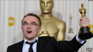 Slumdog Millionaire director Danny Boyle with an Oscar