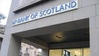 New logo on Royal Mile Bank of Scotland branch
