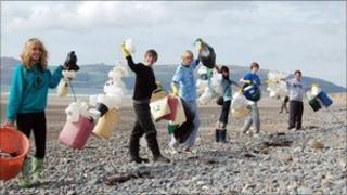 Beachwatch. Pic: Jackie Clark/ Marine Conservation Society