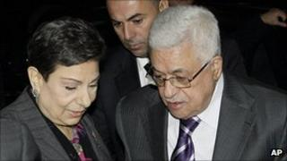 Mahmoud Abbas (L) in New York, 19 September 2011