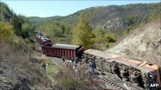 Derailed freight train in Syria, 2 October 2011