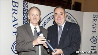 Eric Reid and Alex Salmond [Pic: Kenny Smith]