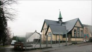Ysgol Gymunedol Llanwnnen