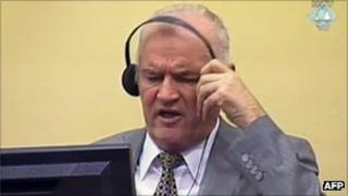 Ratko Mladic in court at the war crimes tribunal in The Hague (file photo - 4 July 2011)