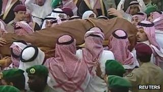 Television footage of the funeral of Crown Prince Sultan bin Abdulaziz al Saud in Riyadh on 25 October 2011