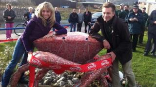 Lois the crab was unveiled by Michaela Strachan and Chris Packham