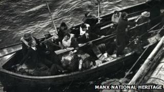 Mona's Queen life raft