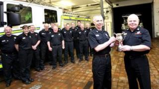 Ellon crew with previous award