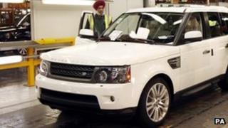 Range Rover on production line