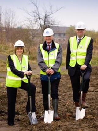 Left to right: Nicola Sturgeon, Dr Charles Winstanley, NHS Lothian chairman and Paul Edie, Edinburgh City Council's health and social care convener