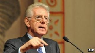 Mario Monti speaks to journalists in Rome - 15 November 2011