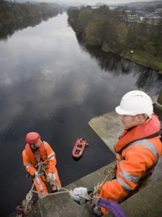 Specialist contractors on the Lune Aqueduct
