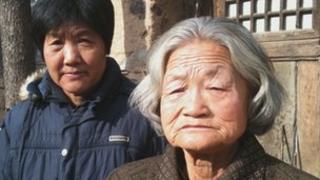 Liu Wenxiang and her mother