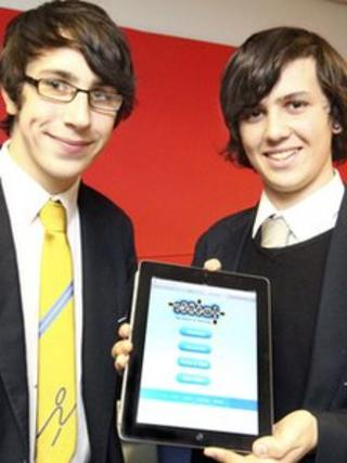 Liam Thompson (left) and Aron Hendrickson (right). Photo: Oakfields Community College