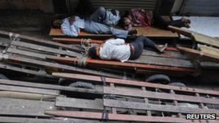 Retail workers in Mumbai, 1 Dec