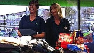 Jenette Mace (L) and her manager Diane Martin (R)