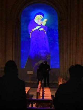 Madonna and child animation at Norwich Cathedral