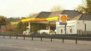 Shell filling station, South Brent