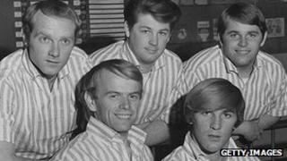 Beach Boys in 1964. L-R: Mike Love, Al Jardine, Brian Wilson, Dennis Wilson (1944-1983) and Carl Wilson (1946-1998).