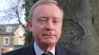 Dr James Bettley