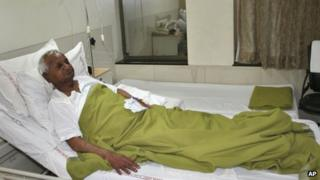 Anna Hazare in hospital in Pune on 1 January