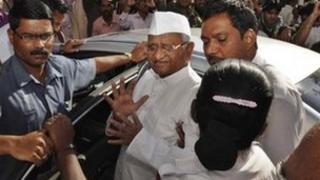 Anti-corruption activist Anna Hazare leaves hospital in Pune on 8 January 2012