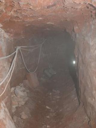 The passageway was about 4ft (1.2m) tall