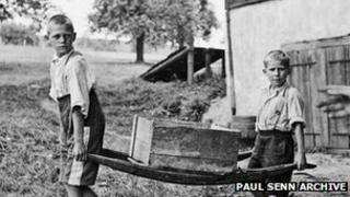 "Two ""contract children"" at work (Paul Senn Archive, Bern)"