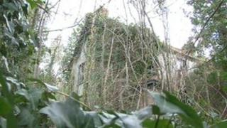 Derelict homes in Sonning Common