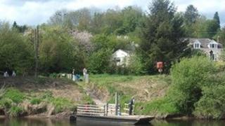 Hampton Loade Ferry