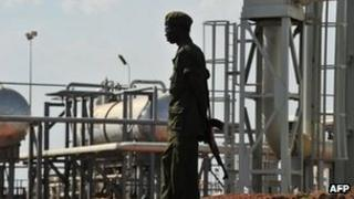 Soldiers guarding an oil facility in Unity State, South Sudan (file image)