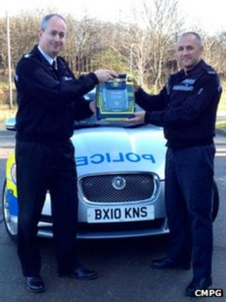 Chief Superintendent David Jones and PC Martin Smith from CMPG