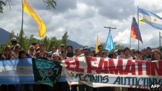 Protesters at the Famatina project