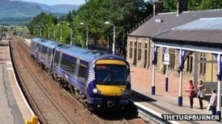 Kingussie station - pic by TheTurfBurner/ Geograph