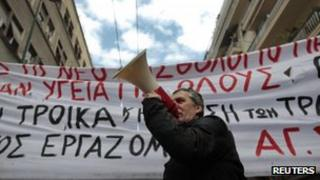 A health worker on strike in Athens (23 Feb 2012)