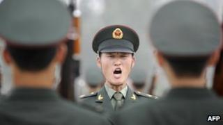 Honour guards of the Chinese army training in Beijing, 21 July 2011