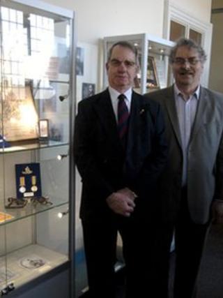 Museum directors John Williams (L) and Mark Hignett