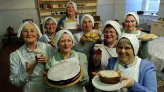Volunteers at Ickworth Lives