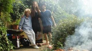 Anita, Eleanor and Mario in Highgate