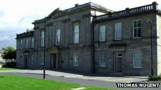 Dumbarton Sheriff Court - pic by Thomas Nugent