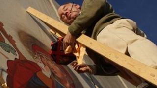 Ian Knowles painting in Bethlehem