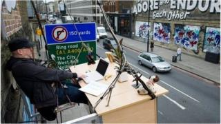 Work station above a street