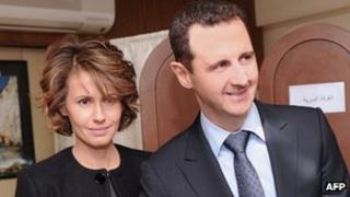 Syrian President Bashar al-Assad (r) and Asma al-Assad in Damascus February 26, 2012