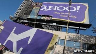 Yahoo billboard being dismantled in California