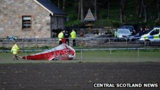 The microlight came down near the village of Kennet, by Clackmannan